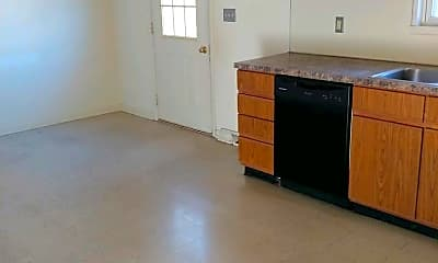 Kitchen, 28 Pine Dr, 1