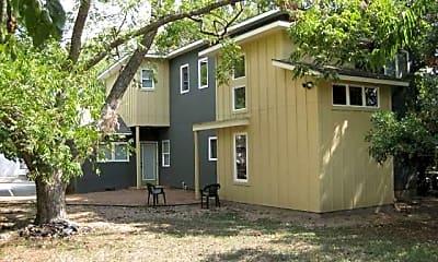 Building, 4406 Bennett Ave, 2
