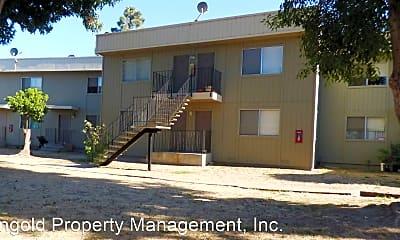 Building, 850 Garner Ave, 2
