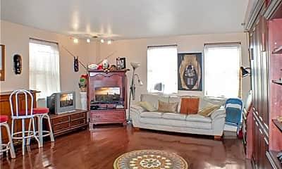Living Room, 1205 St Charles Ave 407, 1