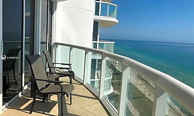 6365 Collins Ave 2902, 2
