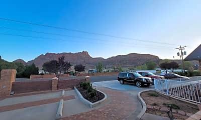 Building, 985 Utah Ave, 2