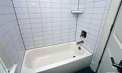 Bathroom, 513 Phelps Ave, 1