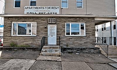 Building, 154 N Main St, 2