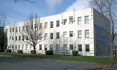 Building, 421 E Maple St, 0