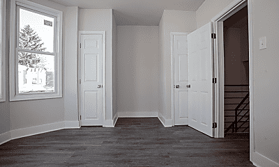 Living Room, 5534 Bloyd St, 2