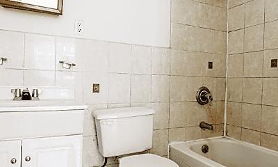 Bathroom, 192 Monroe St, 2