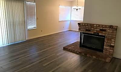 Living Room, 1633 Charlottesville Ln, 1