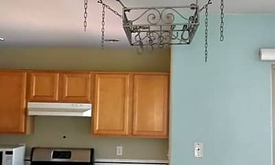 Kitchen, 1407 Toledo St, 2