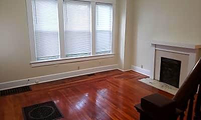 Living Room, 925 E Main St, 2