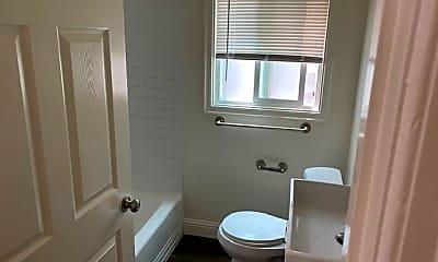 Bathroom, 1601 13th Ave, 2