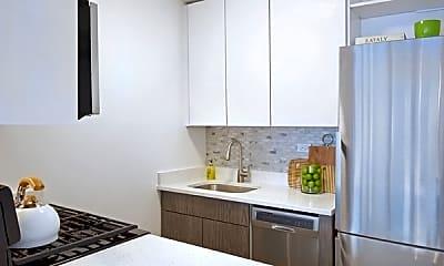 Kitchen, 135 E 34th St, 2