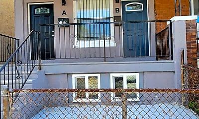 Patio / Deck, 5036 Sansom St, 2