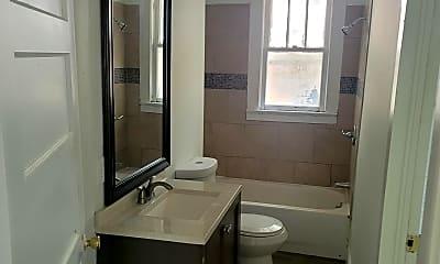 Bathroom, 409 S Delaware Ave, 2