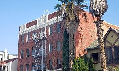 Building, 636 S Cochran Ave, 0