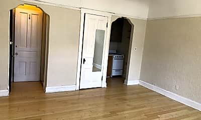 Living Room, 1503 E Kane Pl, 2