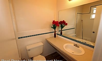 Bathroom, 1600 North Ave, 1