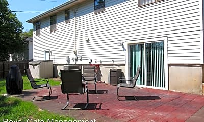 Patio / Deck, 2115 Chester St, 2