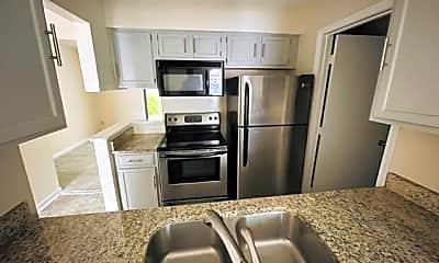 Kitchen, 4311 Baylor St, 1