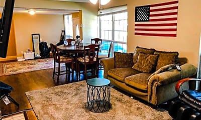 Living Room, 3244 Lubbock Ave, 1