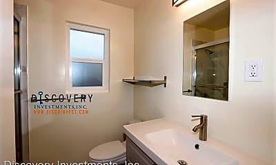 Bathroom, 1502 E 19th St, 2