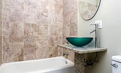 Bathroom, 1640 W Greenleaf Ave, 1