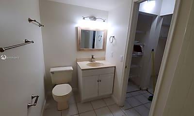 Bathroom, 10885 NW 7th St 21-33, 1