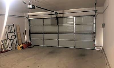 25 Garage.jpg, 1213 Sumac Drive, 2
