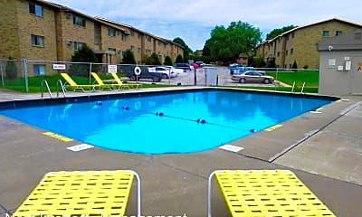 Pool, 2040 9th St, 0