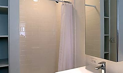 Bathroom, 304 Walnut St, 2