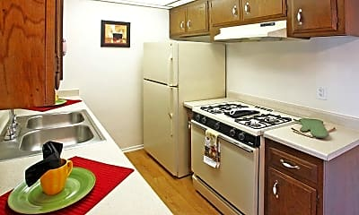 Sycamores-Oaks Apartments, 1
