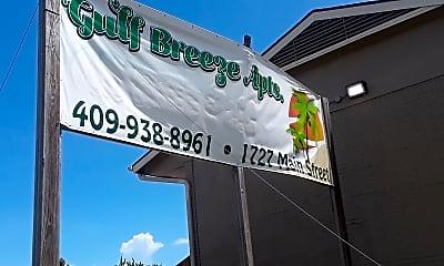 Gulf Breeze Apartments, 1