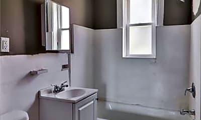 Bathroom, 3864 Bamberger Ave, 2