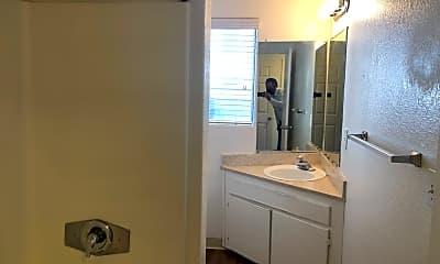 Bathroom, 2927 Fourth Ave, 2