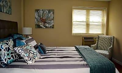 Bedroom, 700 N Salem Dr, 1