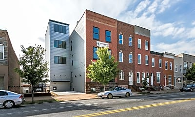 Building, 320 S Highland Ave 3, 0