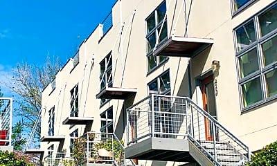 Building, 730 Frederica St NE, 1