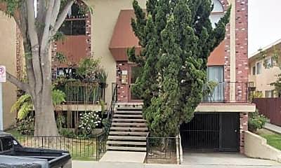 Patio / Deck, 4031 McLaughlin Ave, 0