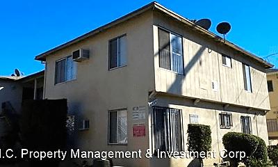 Building, 6634 Woodman Ave, 0