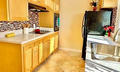 Kitchen, 1200 Esplanade, 1