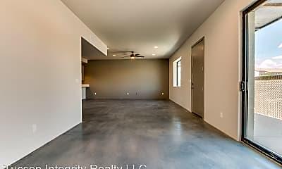 Living Room, 380 N Highland Ave, 1