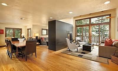 Living Room, 601 W North St 2, 0
