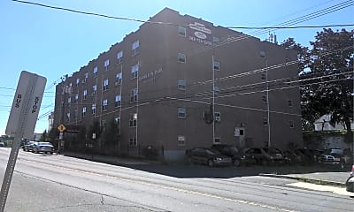 Hamilton Park Apartments, 2