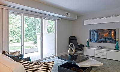 Living Room, The Edge at Greentree, 1