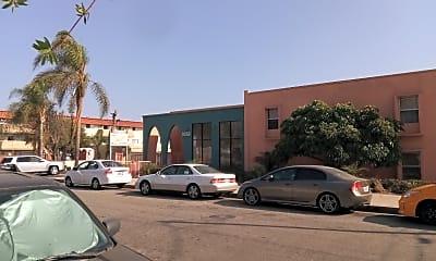 Collaro Apartments, 2