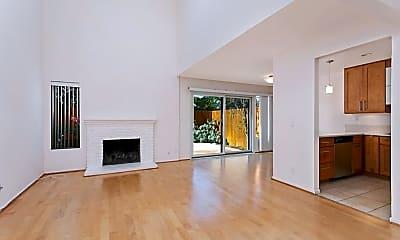 Living Room, 819 Mola Vista Way, 1