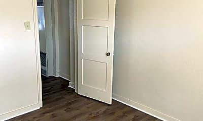 Bedroom, 420 Burns St, 1