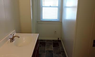 Bathroom, 429 Davis St, 1