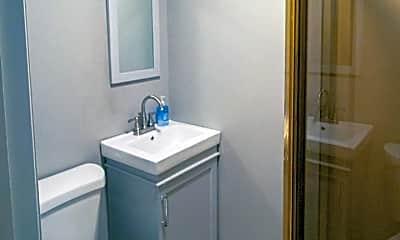 Bathroom, 1903 N Mapleview Dr, 2