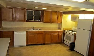 Kitchen, 1036 Wilmington Ave, 1